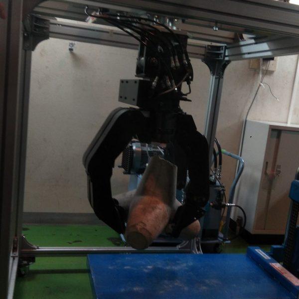 災害対応ロボ用の油圧式アクチュエータ 東工大が開発